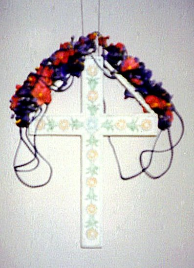 Decoratd Cross for Remsing Family Memorial in Molidorf<br>Click to enlarge