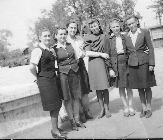 2nd from left is Anna Matje married name Lieblang, from house 23; 4th from the left is Emilia Riesinger (married name), now retired in Florida; Katharina Lambert (far right)<br>Click to enlarge