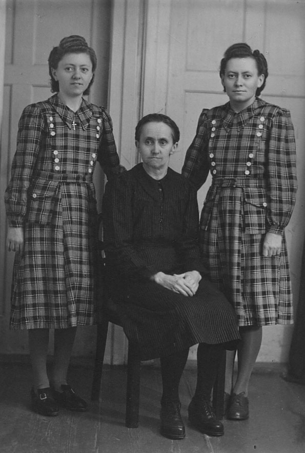 left to right: Marianne Lambert, Theresa Lambert, and my mother Katharina Lambert in 1950<br>Click to enlarge