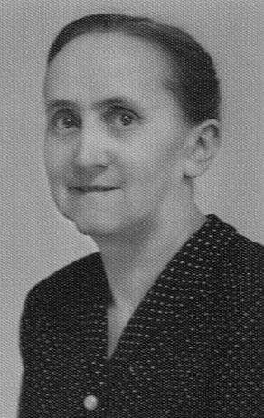Theresa Lambert, possibly (pg. 235-Fam.#L036) nee Lojal <br>Click to enlarge